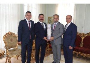 Başkan Yılmaz, Kurtdere güreşleri için Bursa ve İstanbul'da