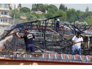 Aydın'da okul çatısı kül oldu
