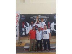Batuhan Şimşek Türkiye şampiyonu