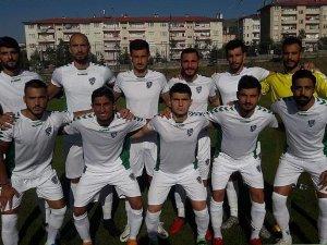 Anadolu Selçukspor hazırlık maçında mağlup