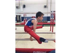 Geleceğin cimnastikçileri yetişiyor
