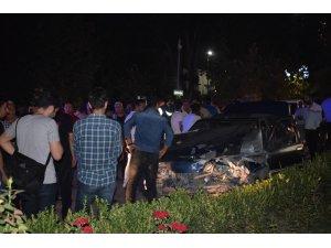 Ters yöne giren araç üç araca birden çarptı: 3 yaralı