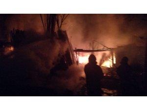 Marangoz atölyesinde yangın