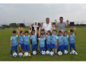 Başkan Çerçi küçük futbolcularla buluştu