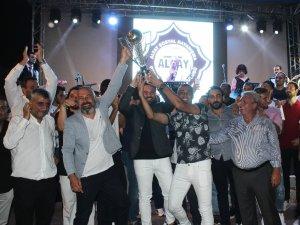 Şampiyonların gecesi İzmir'i aydınlattı
