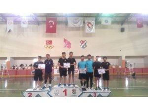 Malatyalı Badmintoncular Elazığ'da dereceyle döndü
