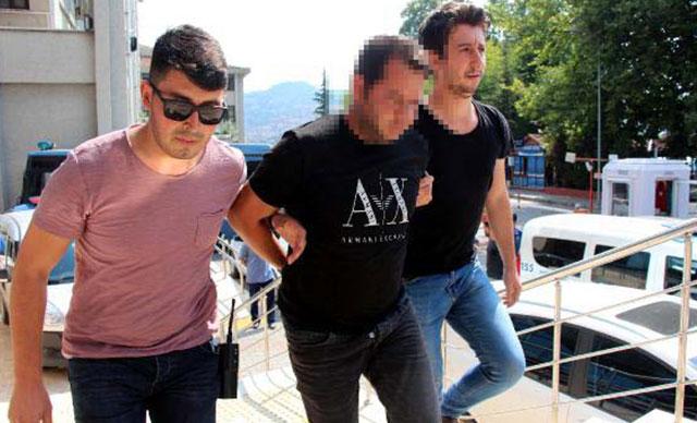 Polisim diyerek 100 bin lira dolandıran 2 şüpheli yakalandı