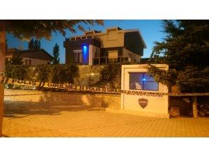 Villanın güvenliğine pompalı tüfekle ateş açtılar: 1 ölü