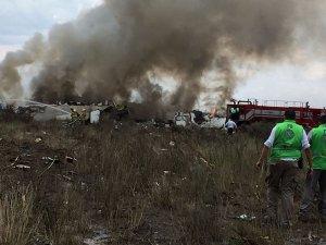 Meksika'da düşen uçağın 65 yolcusu Amerikalı