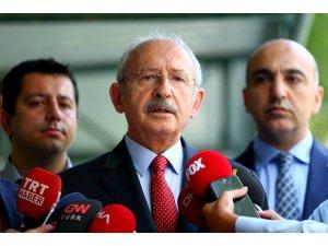 Kılıçdaroğlu, Enis Berberoğlu'nun eşini ziyaret etti