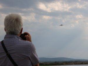 Türk yıldızlarından Beyşehir Gölü üzerinde nefes kesen prova