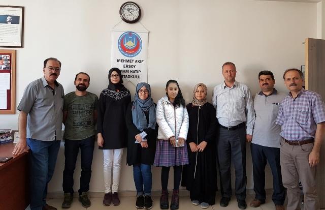 Beyşehir'de başarılı öğrenciler altınla ödüllendirildi