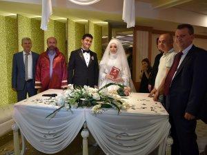 Başkan Pekyatırmacı'dan genç çiftlere nikah sürprizi