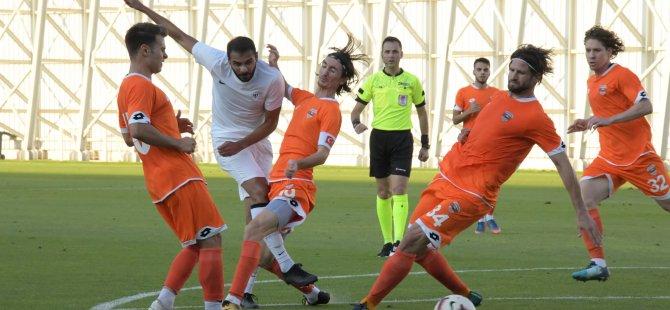 Konyaspor, Adanaspor'la hazırlık maçı yaptı