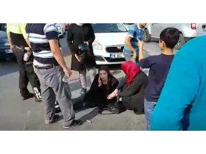 Otomobille çarpışan motosiklet sürücüsü genç kız yaralandı