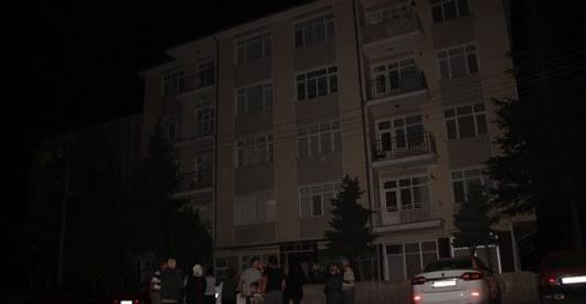 Çökme tehlikesi bulunan binalar tahliye edildi