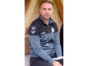 Adanaspor'da teknik direktörlüğe Bülent Akın getiriliyor