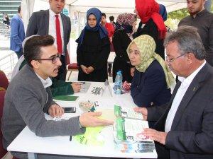 AK Parti Teşkilatı KTO Karataylı öğrencilerle buluştu