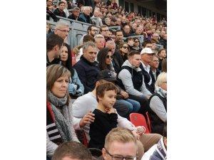 Ersun Yanal, Leverkusen-Hannover maçını takip etti