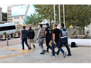 Elazığ'da FETÖ operasyonu: 5  tutuklama