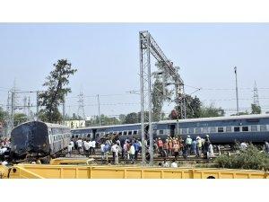 Hindistan'da tren kazanlarında son iki yılda yaklaşık 50 bin kişi öldü