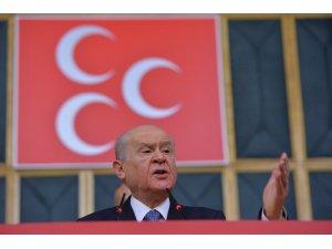 MHP Lideri Bahçeli: Papaz kararına ses çıkaramayanlar...