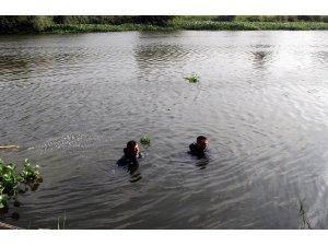 Asi Nehri'nde kaybolan genci arama çalışmalarına ara verildi