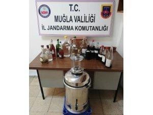 Datça jandarması kaçak içki imalathanesini ortaya çıkardı