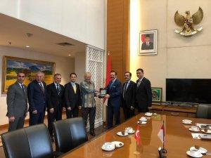 TTB Başkanı Ergan, Endonezya'da fındığı anlattı