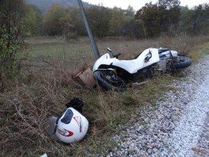 Motosiklet kontrolden çıktı: 2 yaralı