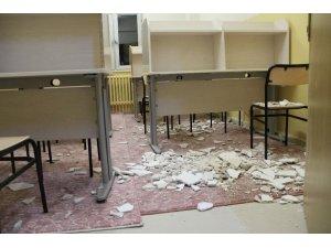 Okul pansiyonu tavanında alçıpan koptu, 3 öğrenci yaralandı