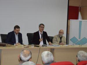 """""""Yahya Kemal şiirimizin derunî ahengidir"""""""