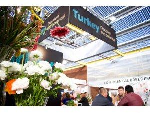 Hollanda'da Çiçekçilik Ticareti Fuarı'nda Türk standına yoğun ilgi