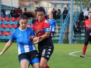 Yıldız ve genç kızlar futbolda Konya 4 takımla temsil edilecek