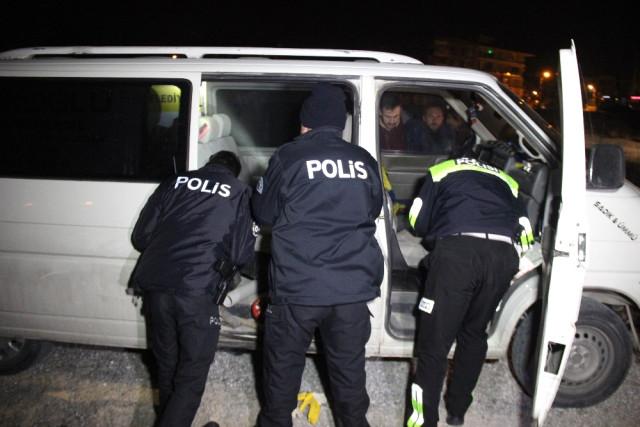 """Polisten Kaçtı, Yakalanınca """"Alkol Aldık Başka Bir Şey Yok"""" Dedi"""