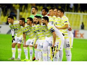 UEFA Avrupa Ligi: Fenerbahçe: 0 - Dinamo Zagreb: 0 (Maç devam ediyor)