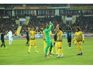 E. Yeni Malatyaspor başarılı iç saha karnesiyle dikkat çekiyor