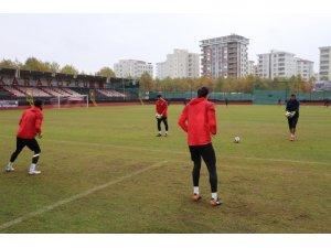 Karaköprü Belediyespor Erbaaspor'a maçına hazırlanıyor
