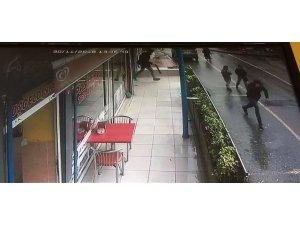 Pendik'te pompalı tüfekle kuyumcu soygunu kamerada