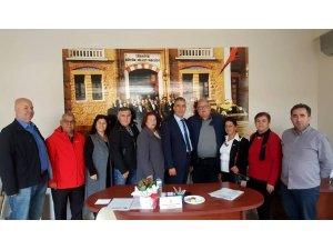 Çeşme CHP'den sivil toplum kuruluşlarına 'seçim' ziyareti