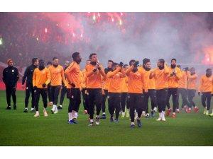 Galatasaray, taraftarının önünde Beşiktaş hazırlıklarını tamamladı