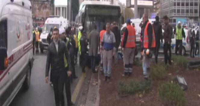Başkent'te belediye otobüsü yayalara çarptı: 2 yaralı