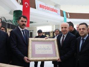 """Albaraka Türk """"Kalemin Bereketi"""" sergisi ilgi görüyor"""