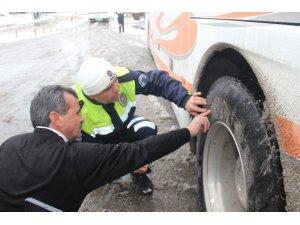 Konya'da otobüslere kış lastiği denetimi