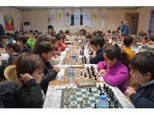 Efeler'de satranç turnuvası heyecanı başlıyor