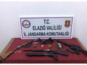 Silah ve mühimmat kaçakçılarına operasyon: 13 gözaltı