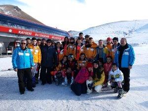 Hisarcık Spor Kulübünden 38 kayakçı bölge takımına seçildi