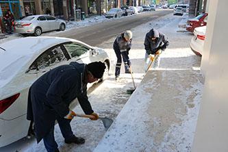 Beyşehir'de buz kırma timleri iş başında