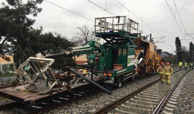 Deneme seferi yapan trenler Florya'da çarpıştı!