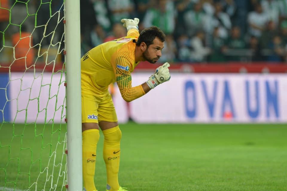 Konyaspor ceza sahası dışından gol yemiyor